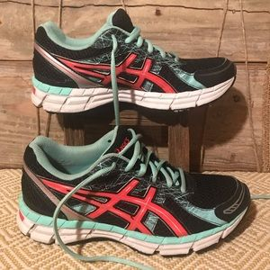 womens Asics T473N running shoes